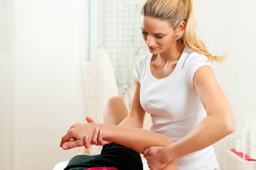 Frozen Shoulder and Physiotherapy: Can it Help?
